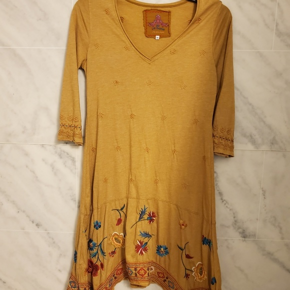 Johnny Was Dresses & Skirts - JWLA MUSTARD EMBROIDERED DRESS SIZE MED